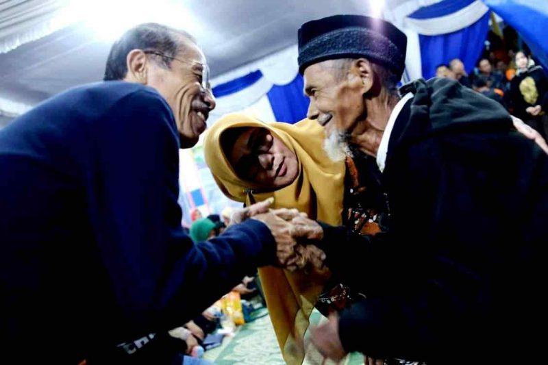 Bupati Suprawoto dan Wabup Nanik, Mendengarkan Aspirasi Warga Desa Genilangit, Kecamatan Poncol. (Humas For Magetan Today)