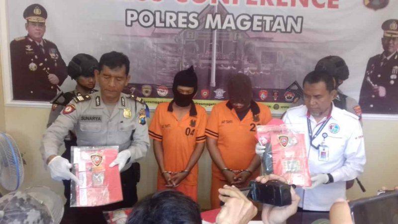 Polisi Menunjukan Barang Bukti Narkoba.  (MG/Norik/Magetan Today)