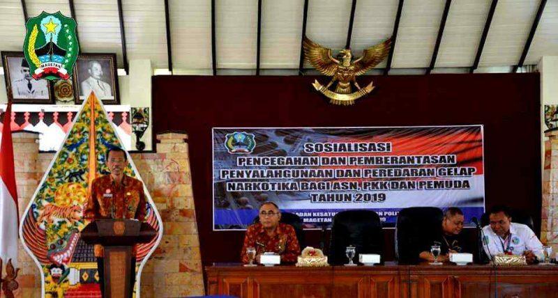 Bupati Magetan, Suprawoto, memberikan sambutan pembukaan Sosialiasi Bahaya Narkoba di PSG Magetan. ( Ist For Humpro Magetan).