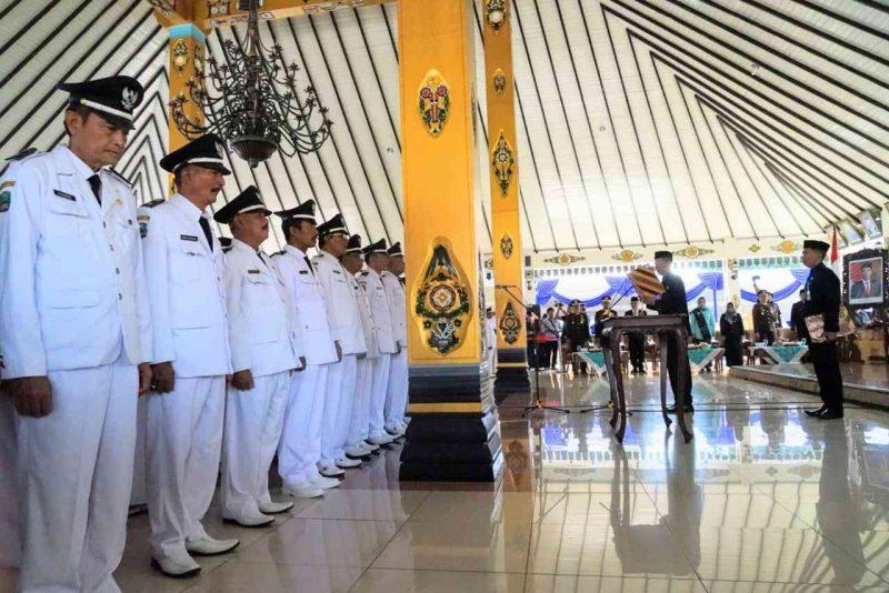 184 Kades Baru Disumpah Oleh Bupati Magetan, Suprawoto. ( Ist For Humas).