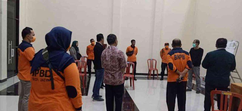Bupati Magetan, Suprawoto, mengunjungi Posko Darurat Bencana Covid-19 Kabupaten Magetan. ( Istimewa)