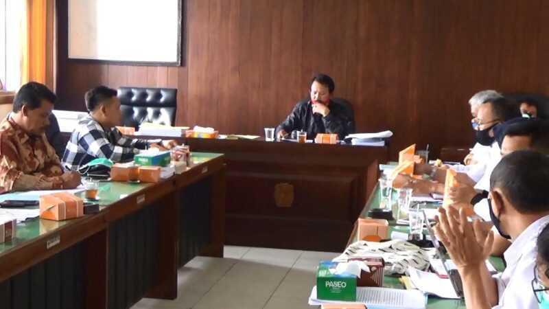 Ketua Komisi D DPRD Magetan Suyono Memimpin RDP. (Norik/Magetan Today).