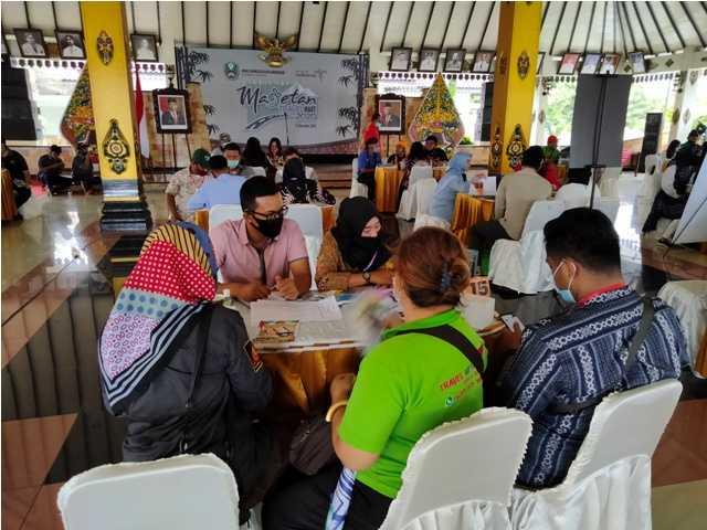 Tabel Top Antara Buyer dan Sellers Di Pendopo Surya Graha Magetan,Kamis (3/12). ( Norik/MagetanToday)