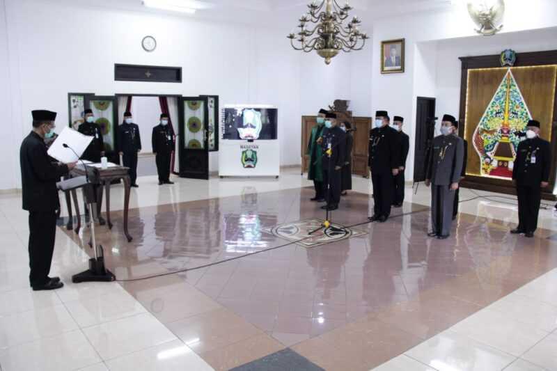 Bupati Suprawoto Rotasi Lima Kepala Dinas Dilingkup Pemkab Magetan. ( Istimewa).