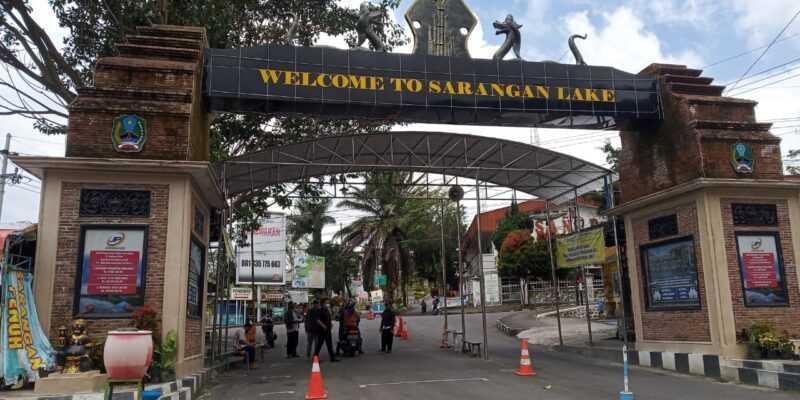 Pintu Masuk Wahana Wisata Telaga Sarangan Kabupaten Magetan. ( Rifqi/MagetanToday).