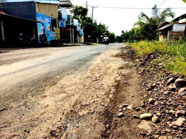 Jalan Tinap - Kembangan Kecamatan Sukomoro. ( Norik/MagetanToday)