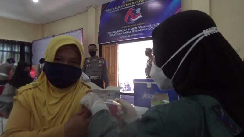 Salah satu penerima vaksinasi di Mapolres  Magetan. (Norik/MagetanToday)